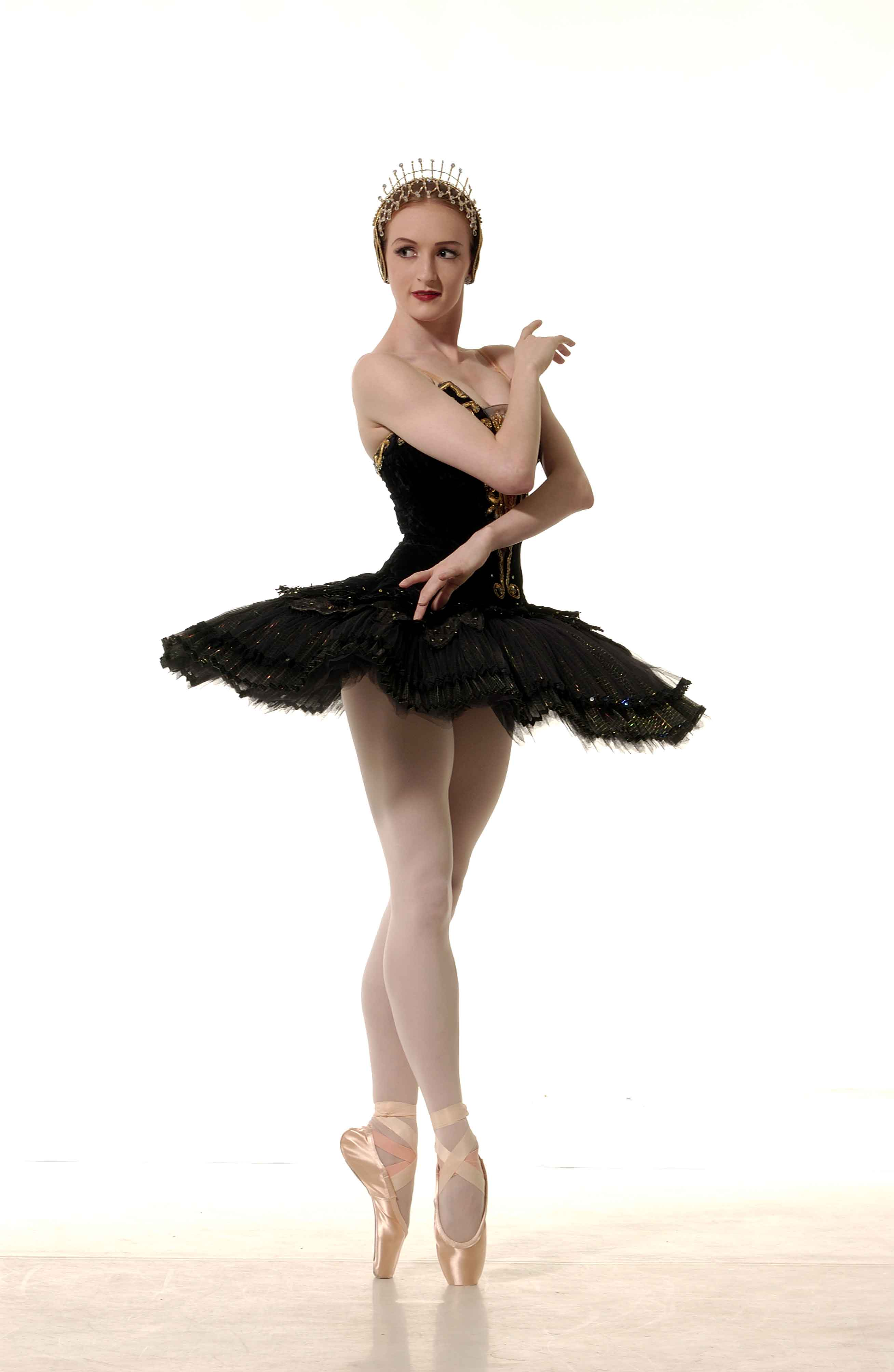 Gillian as the Black Swan