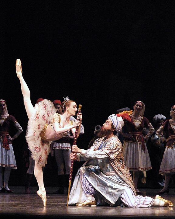 Gillian with Roman Zhurbin in Le Corsaire