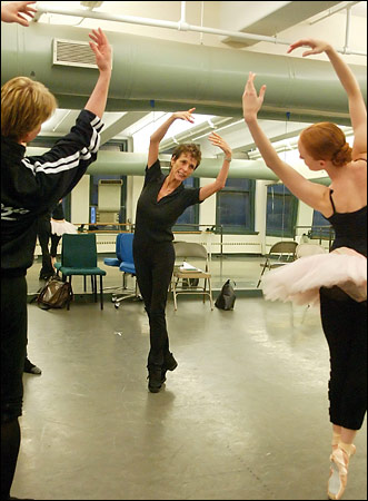 Gillian and Ethan rehearse with Georgina Parkinson (by Ruby Washington, NYT), October 2005.
