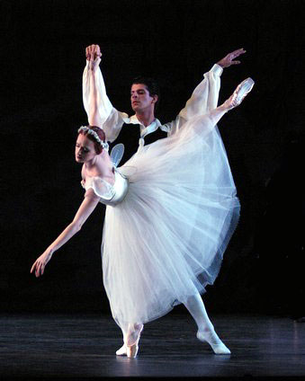 Gillian and Marcello Gomes in Les Sylphides